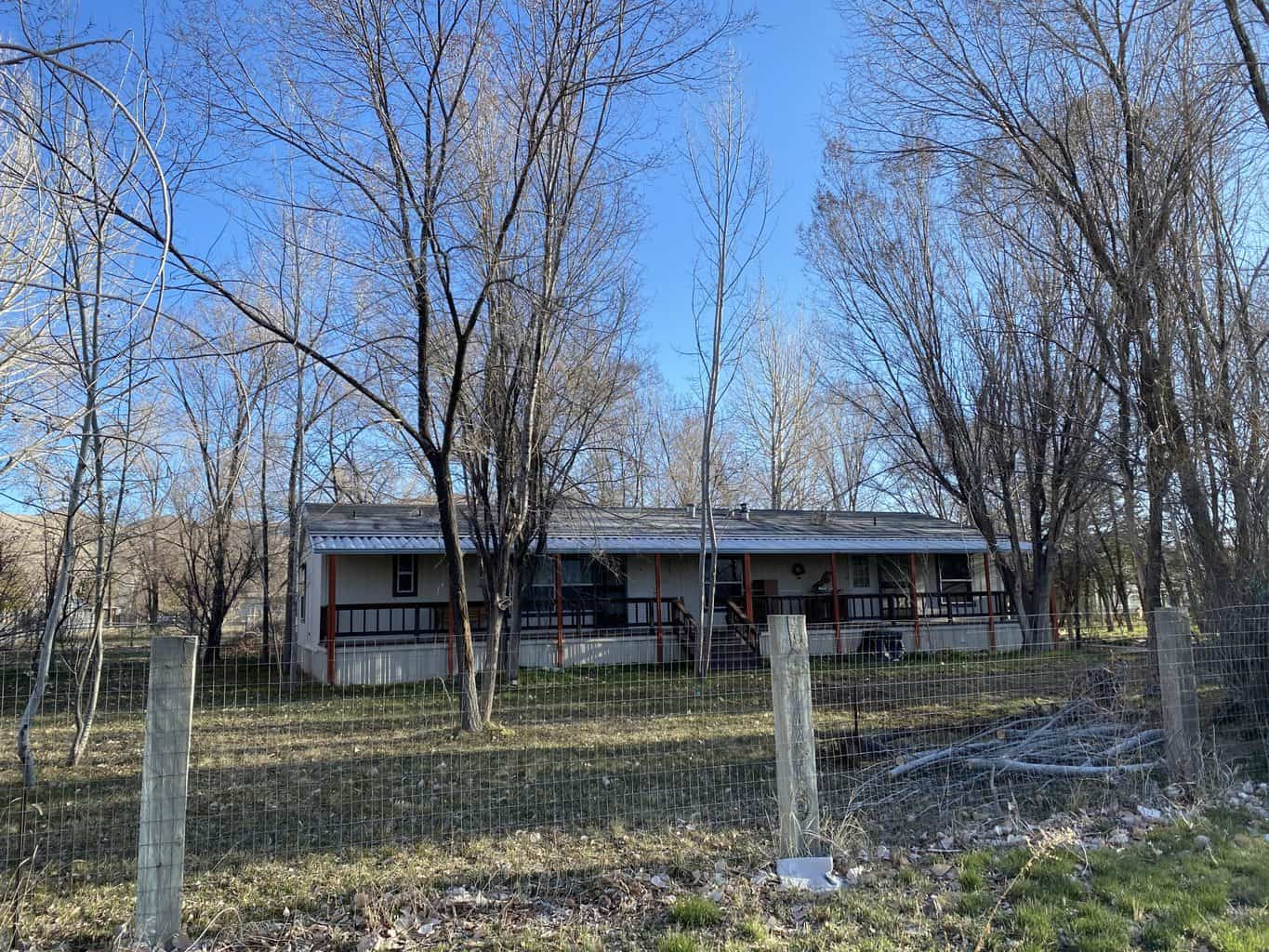 Check out this mini-farm in Cold Springs, Nevada (just north of Reno). Move-in ready with new Mohawk flooring, a fenced acre, mature fruit trees, irrigation, and plenty of room to roam. #fsbo #nevada #coldsprings